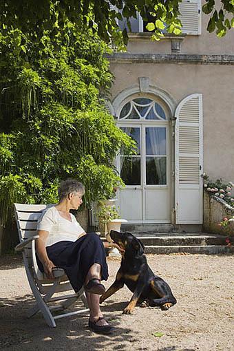 La sra. Laroche propietaria de la bodega y viñedos del Domaine aux Moines. Comunidad de Savennieres. Región de Pays de Loire. Francia. France