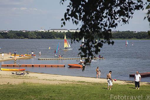 Campamento y area recreativa Lac Maine cerca de la ciudad de ANGERS. Región de Pays de Loire. Francia. France