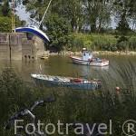 "El barco ""Bateau Mou"" o ""Misconceivable"" del artista Erwin Wurm. Situado en el Canal de la Martinière. Pays des Loire. Francia. France"