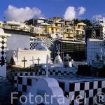 Cementerio con ceramicas blancas y negras. MORNE A L´EAU. En Grande Terre. Isla de Guadalupe. Caribe. Francia