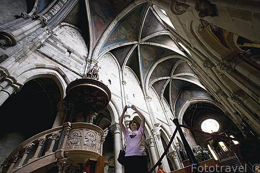 Interior. Abadia de PANNONHALMA en lo alto de la colina de Pannonia. Monjes benedictinos de Bohemia. UNESCO desde 1996. A 21 Kms de GYOR. Comarca del Transdanubio. Hungria