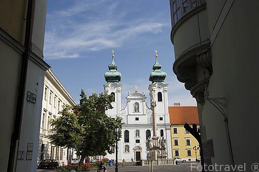 La iglesia de San Ignacio (Szt. Ignac). Ciudad de GYOR. Comarca del Transdanubio. Hungria
