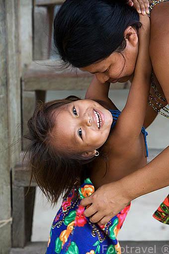 Tribu a Embera. Comunidad de Ipeti. PANAMA. Centroamerica