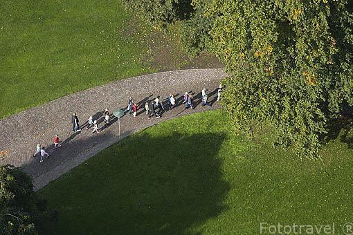 Jardines y parques rodean la ciudad de AARHUS. Dinamarca