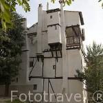 La antigua casa del Verdugo como se la conoce junto a la hoz del rio Jucar. CUENCA. Ciudad Patrimonio de la Humanidad. Castilla La Mancha. España