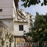 """Calle Armas y edificios llamados """"los rascacielos"""". CUENCA. Ciudad Patrimonio de la Humanidad. Castilla La Mancha. España"""