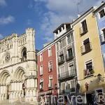 Restaurantes y bares junto a la catedral en la plaza Mayor. CUENCA. Ciudad Patrimonio de la Humanidad. Castilla La Mancha. España