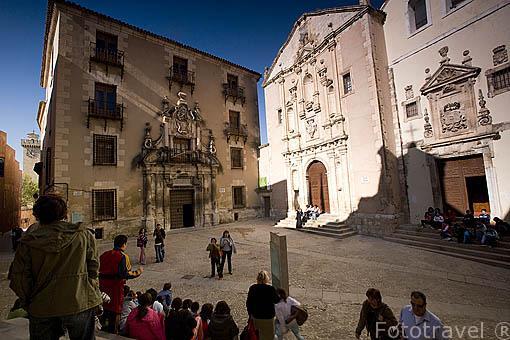 La plaza de la Merced el seminario de San Julian e iglesia de la Merced. CUENCA. Ciudad Patrimonio de la Humanidad. Castilla La Mancha. España