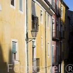 Las fachadas coloridas de los edificio junto a la plaza Mayor. CUENCA. Ciudad Patrimonio de la Humanidad. Castilla La Mancha. España