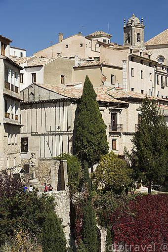 Edificios en el casco historico con vistas a la hoz del Huecar. CUENCA. Ciudad Patrimonio de la Humanidad. Castilla La Mancha. España