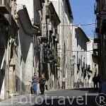 Calle San Pedro y antiguas construcciones. CUENCA. Ciudad Patrimonio de la Humanidad. Castilla La Mancha. España