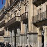 Terrazas y soportales junto al Ayuntamiento en la plaza Mayor, de estilo barroco. S.XVIII. SALAMANCA. Ciudad Patrimonio de la Humanidad, UNESCO. Castilla y León. España