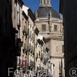 Calle de Libreros, al fondo la torre de la iglesia de la Clerecia. SALAMANCA. Ciudad Patrimonio de la Humanidad, UNESCO. Castilla y León. España