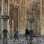 Estudiantes frente a la fachada portada del Nacimiento. SALAMANCA. Ciudad Patrimonio de la Humanidad, UNESCO. Castilla y León. España