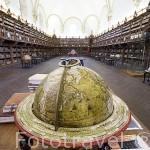 Interior de la biblioteca de los libros redondos de San Bartolomé. Universidad Escuelas Mayores. SALAMANCA. Ciudad Patrimonio de la Humanidad, UNESCO. Castilla y León. España