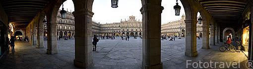 La plaza Mayor de estilo barroco. S.XVIII. SALAMANCA. Ciudad Patrimonio de la Humanidad, UNESCO. Castilla y León. España