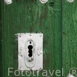 Puerta y cerradura. ZORITA DE LA FRONTERA. Provincia de Salamanca. España. Spain