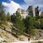 Paseando por el Parque Natural del Cañon del rio Lobos. SORIA: Castilla y León. España