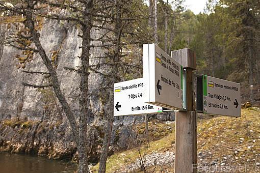 Cartel indicativo. Parque Natural del Cañon del rio Lobos a su paso por la provincia de Burgos. España
