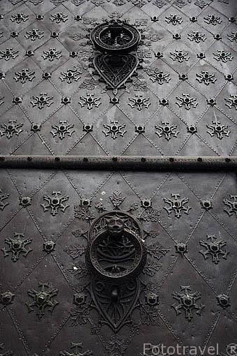 Detalle puerta de la catedral. TARRAGONA. Ciudad Patrimonio de la UNESCO. España