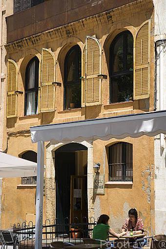 Terrazas en la plaza del Rei. TARRAGONA. Ciudad Patrimonio de la UNESCO. España