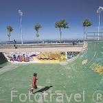 Instalaciones para monopatin y patin junto a la playa de Samil. Ria de VIGO. Galicia. España