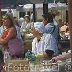 Calle de las ostras / Pescaderia y vendedores. Ciudad de VIGO. Galicia. España