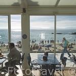 Vista de la playa de Samil desde uno de los restaurantes costeros. VIGO. Galicia. España