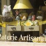 Tienda con productos de decoracion artesanales. Ciudad de COGNAC. Francia