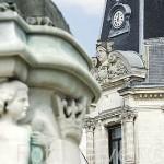Esculturas en la base de la estatua de Francisco Primero en la plaza del mismo nombre. Ciudad de COGNAC. Francia