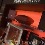 Tienda de degustación. Destileria Remy Martin. Ciudad de COGNAC. Francia