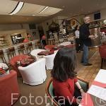 """Restaurante """"Le Bistro des Quais"""" junto al rio. Ciudad de COGNAC. Francia"""