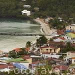 Pueblo de LES ANSES D´ARLET. Sur oeste de la isla de Martinica. Francia. Caribe
