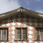 Fachada de una casa estilo colonial. Calle de Schoelcher. Ciudad de Fort de France. Isla de MARTINICA. Caribe. Francia