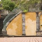 Escaleras de entrada, unicos restos del teatro, despues de la erupción de la montaña Pelee en 1902. ST-PIERRE. Isla de MARTINICA. Francia. Caribe
