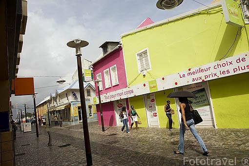Calle peatonal y comercial de La Republique. Ciudad de FORT DE FRANCE. Isla de Martinica. Francia. Caribe