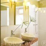 """Baño de una suite. Hotel restaurante gastronomico """"Plein Soleil"""", cerca de LE FRANCOIS. Isla de Martinica. Francia. Caribe"""
