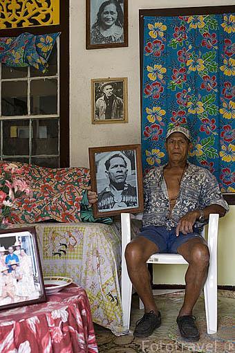 Casa de Manuel Maviri, de origen español. Poblacion de AVERA. Isla de RURUTU. Archipielago de las Australes. Oceano Pacifico. Polinesia Francesa
