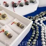 Diferentes utilizaciones de las perlas negras. Granja de Gauguin´s Pearl. Atolon de RANGIROA. Archipielago de Tuamotu. Polinesia Francesa.