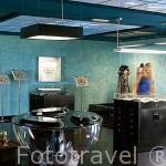 Tienda museo de Robert Wan con piezas realizadas con perlas negras unicas. Ciudad de PAPEETE. Isla de Tahiti. Polinesia Francesa.