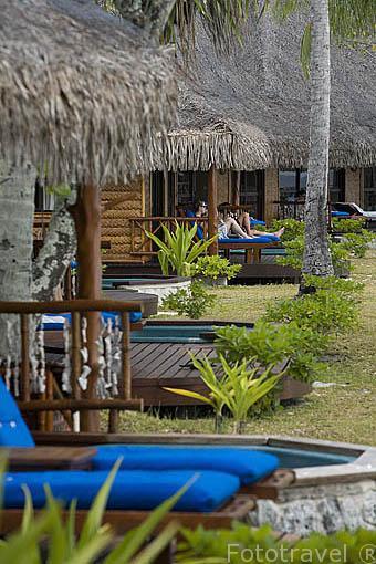 Bungalows del hotel Kia Ora. Cerca a la población de AVATORU. Atolón de Rangiroa. Archipielago de Tuamotu. Polinesia Francesa. Oceano Pacifico