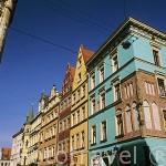 Fachadas de edificios coloridos en c/ Kurzy Targ. Ciudad de WROCLAW. Silesia. Polonia