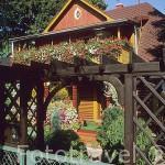 Colorida casa en la ciudad de JELENIA GORA. Baja Silesia. Polonia
