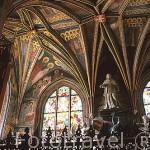 Decoración interior de la capilla de la Santa Cruz, tumba real de Casimiro Jagellón, terminada en 1492. Catedral. Ciudadela de Wawel. CRACOVIA. Polonia