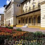 El edificio Stare Lazienki es el más antiguo de la ciudad balneario de KRYNICA data de 1866. Zona de Malopolska. Polonia