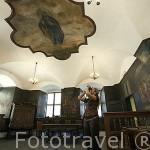 Sala de los Juzgados, con pinturas relacionadas con la ley de 1743. Interior del Ayuntamiento. CHELMNO. Polonia