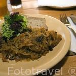 Plato tipico de Bigos con col como ingrediente principal. Polonia