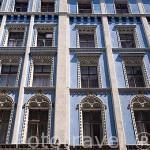 Fachada de un colorido edificio en el centro historico de la ciudad amurallada de TORUN. (Unesco). Kuyavia- Pomerania. Polonia
