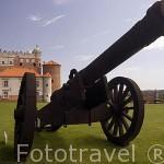 Cañon junto a la entrada al castillo de Golub Dobrzyn. Poblacion de GOLUB DOBRZYN. Region de Kuyavia- Pomerania. Polonia