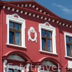 Fachada de un edificio en la plaza de la poblacion de RYNEK. Region de Kuyavia- Pomerania. Polonia